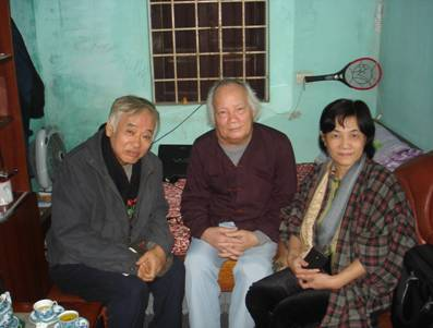 KTS. Lê Thu Nga (bên phải) - con gái út của cựu Bí thư Thành ủy Hà Nội Nguyễn Lam