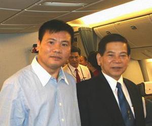 Nhà báo Trương Duy Nhất và Chủ tịch nước Nguyễn Minh Triết tại Hoa Kỳ.