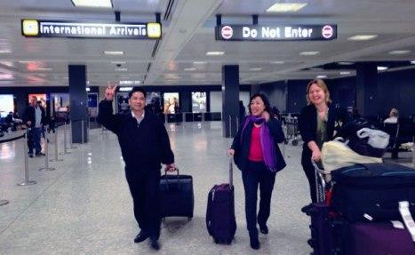 TS Cù Huy Hà Vũ và LS Dương Hà đặt chân xuống sân bay quốc tế Dulles (Mỹ) ngày 7.4.2014